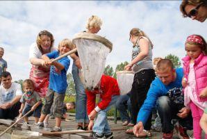 2011-Rudy_Gluren-in-de-sloot-bij-Hoeve-de-Vogel-2